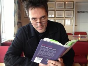 Velkommen til mitt lille møte med bøkenes verden....