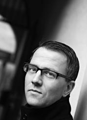 Thomas Enger har solgt en kvart million bøker om sin krimhelt Henning Juul. Bøkene blir bedre og bedre.