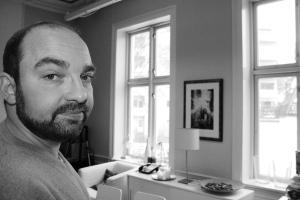 """Pontus Ljunghill ser ut av Forlaget Pantagruels vinduer i Oslo. """"En usynlig"""" er solgt til fem land ..."""