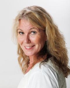 Anne Cecilie Remen gleder seg til å ta oss lesere med på nye mysterier i høst