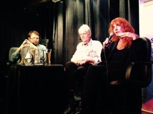Tom Egeland i samtale med Chris tvedt og Elisabeth Guldbrandsen under årets SILK-festival